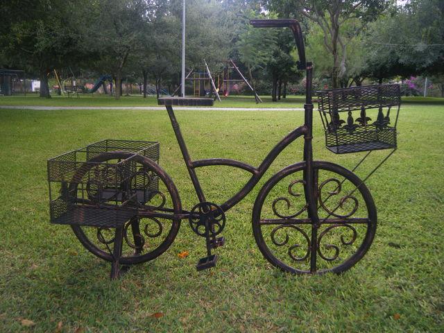 Bicicleta herreria moctezuma for Bancas para jardin de herreria